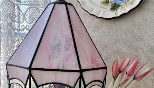 八面のガラスランプ
