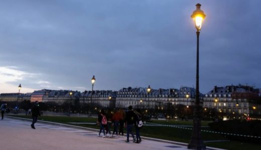 穏やかな休日のパリ①