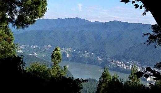 顕鏡寺を経て石老山へ